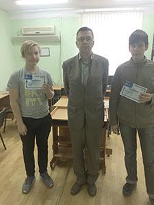Выпускники курса видеомонтаж для школьников с преподавателем учебного центра Успех Грицай И.А.